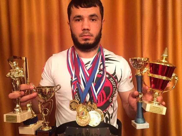 Чемпион Домуллоджанов Хуршед Хамидович